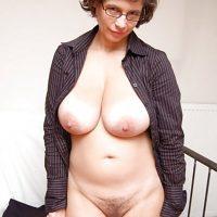Sandrine, milf belles miches chaude pour rencontre cul régulière