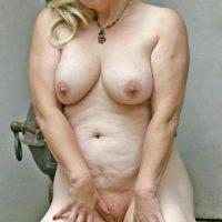 Sylvaine, blondasse mature ronde chaude pour escapade libertine
