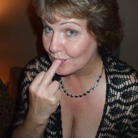Yvonne, femme delaissée veut tromper, sur Rennes